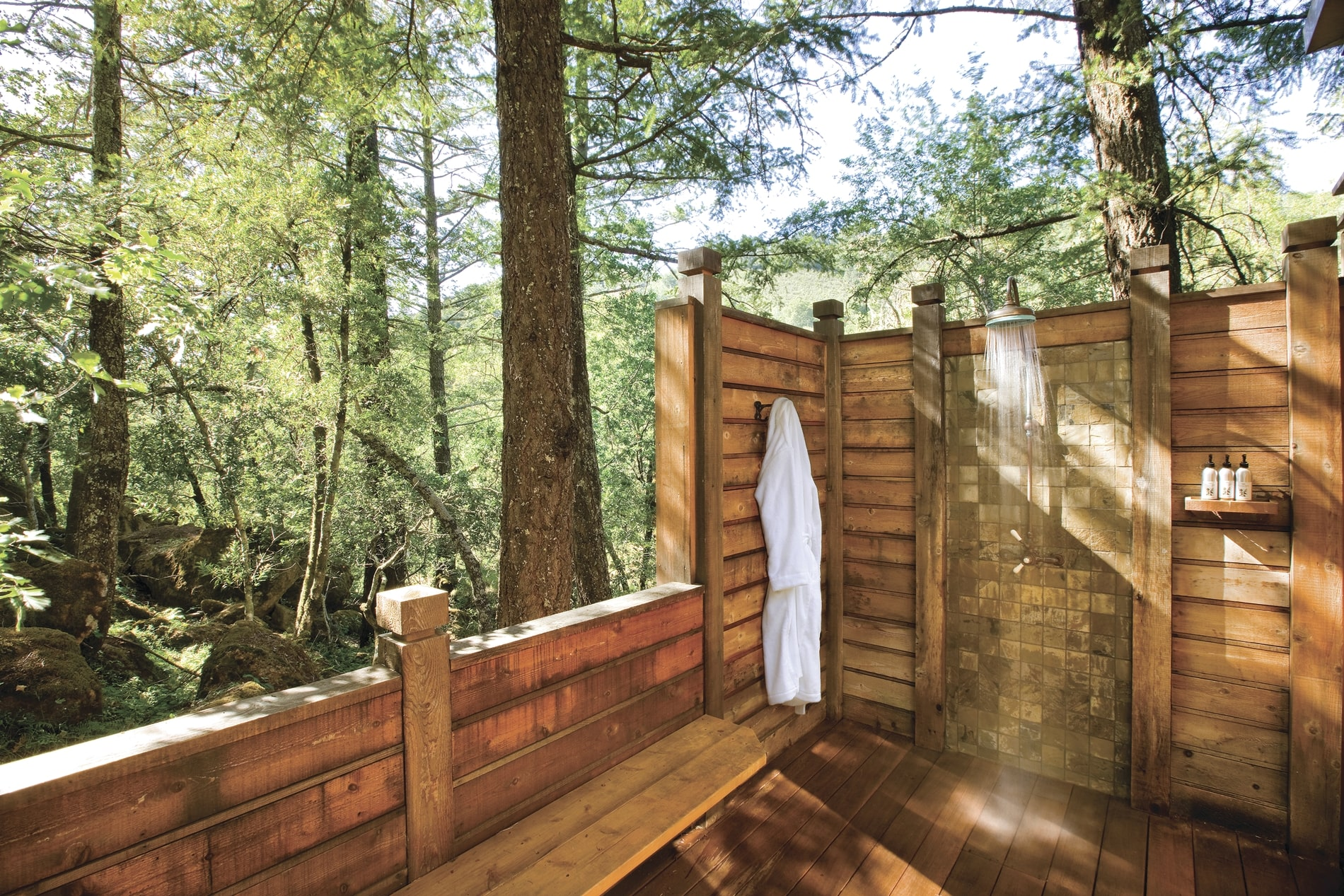 Two_Bedroom_Lodges_OutdoorShower.jpg